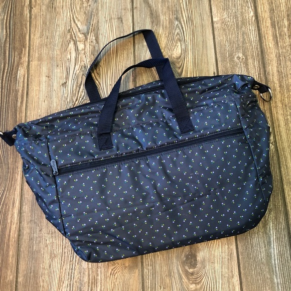 Thirty-One Navy Leaf Pattern Diaper Bag Fully Line